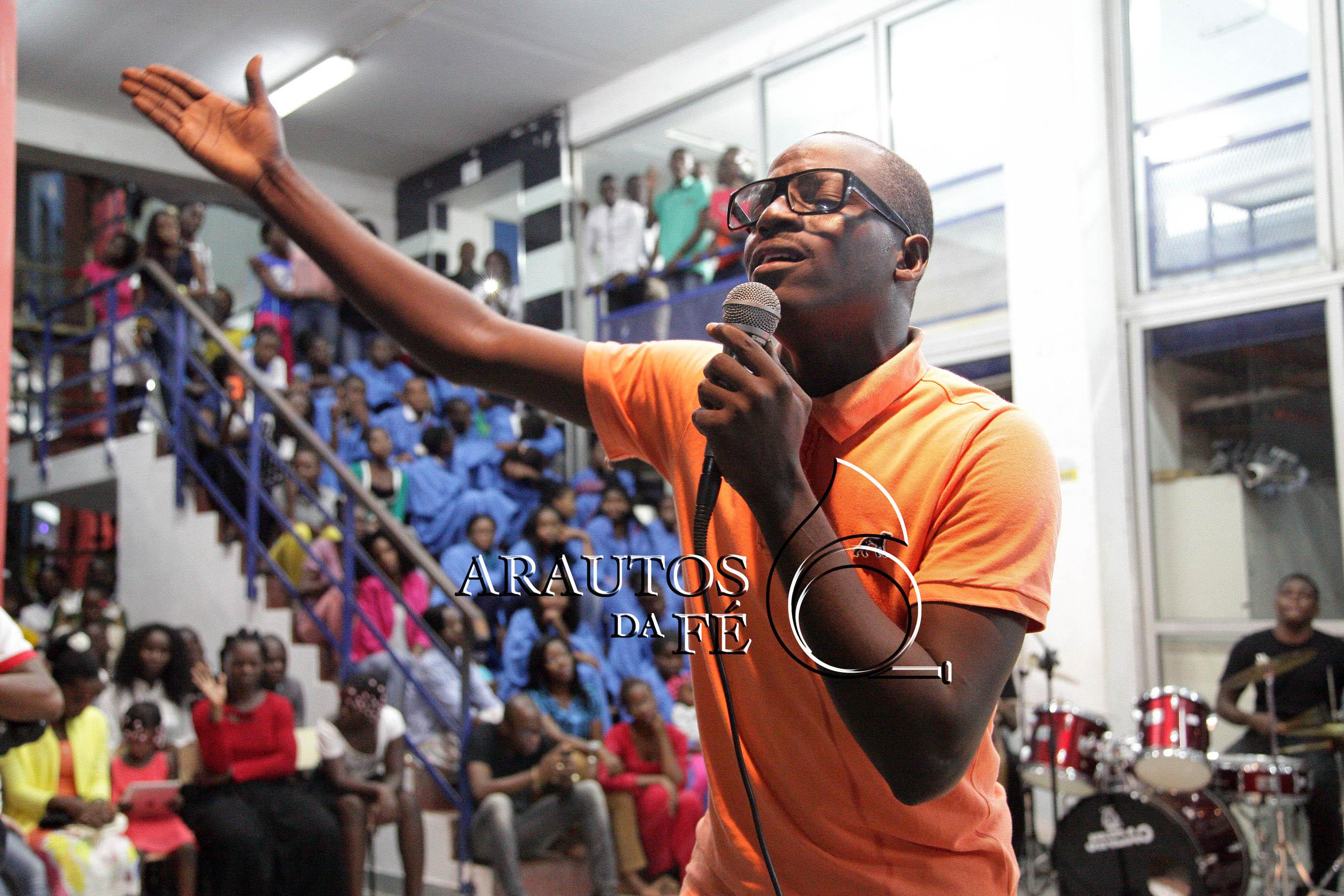 Victor Antonio realiza show