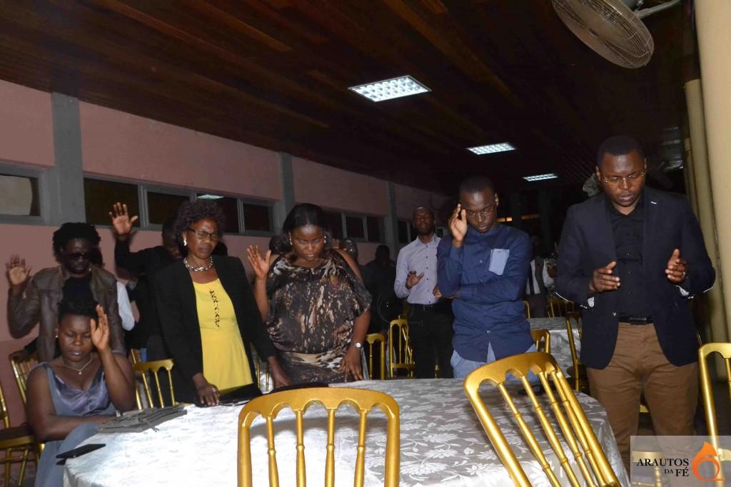 Participantes intercederam pelo ministério dos músicos.
