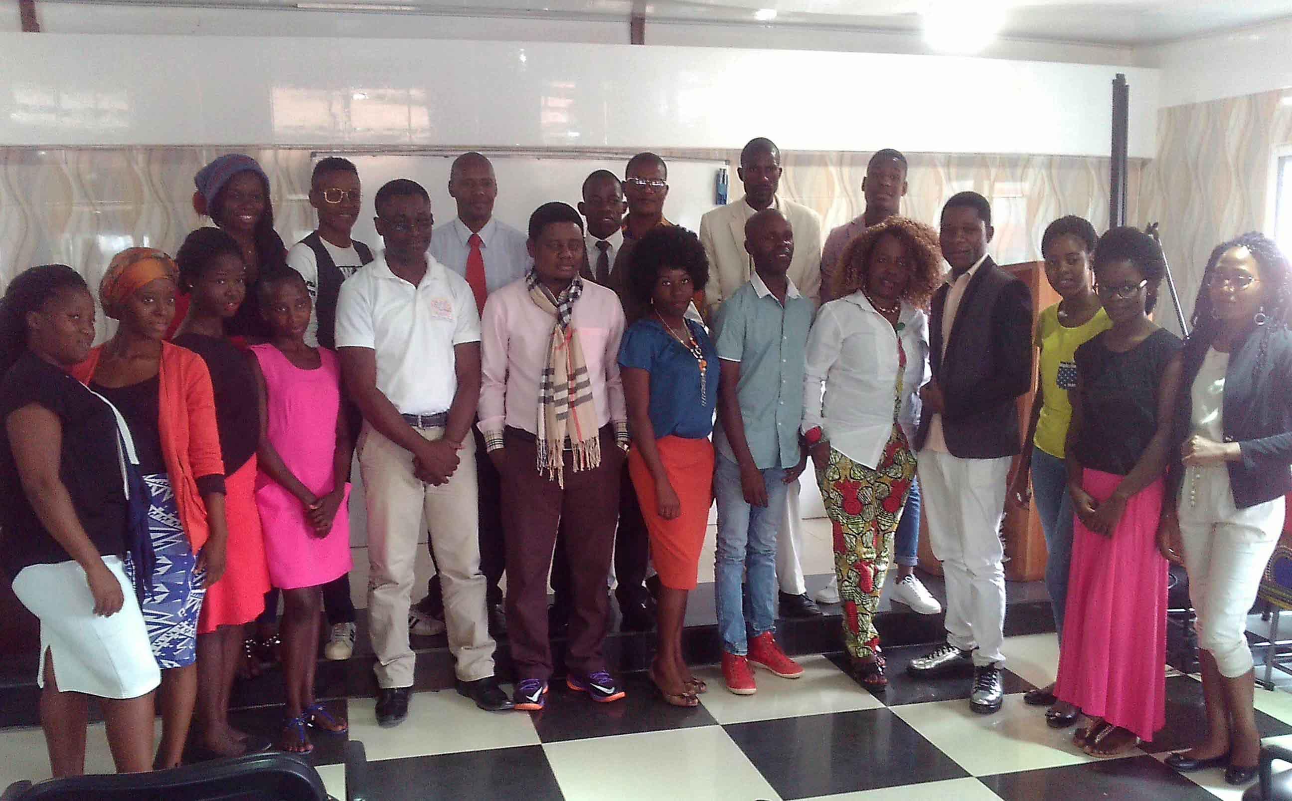Candidatos e membros da organização do concurso.