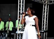 Cantora que interceder pelas vítimas de violência