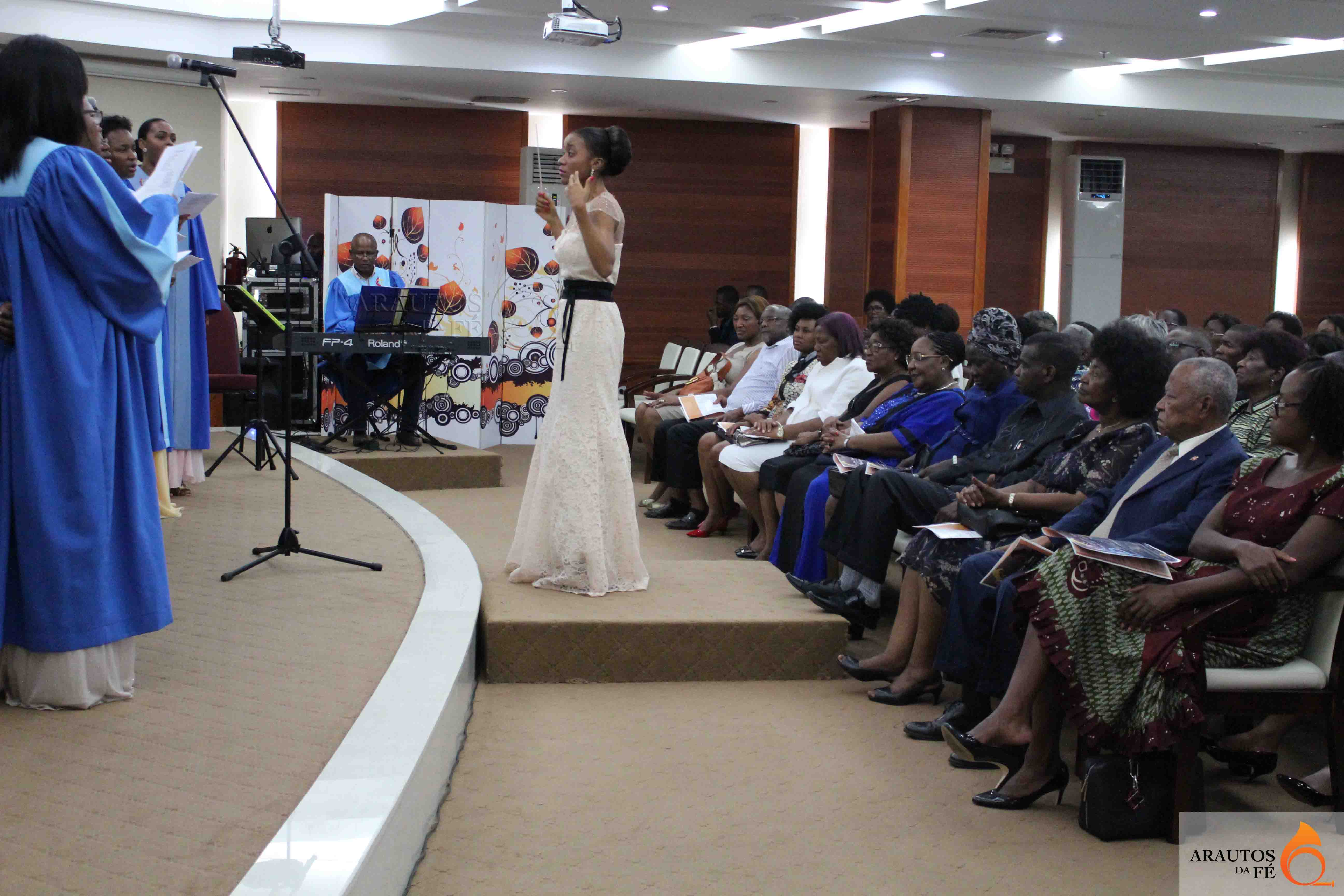 A Gala de apresentação foi testemunhada por distintas figuras.
