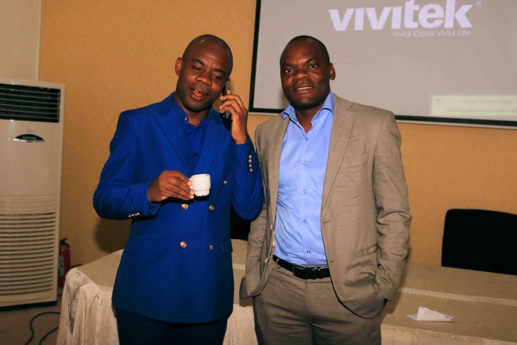 Rev. Adriano Kilende e Daniel Vunge. (Foto: Elias Vieira)