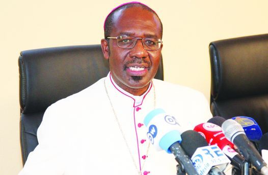 D. Imbamba defende a condenação do aborto como regra