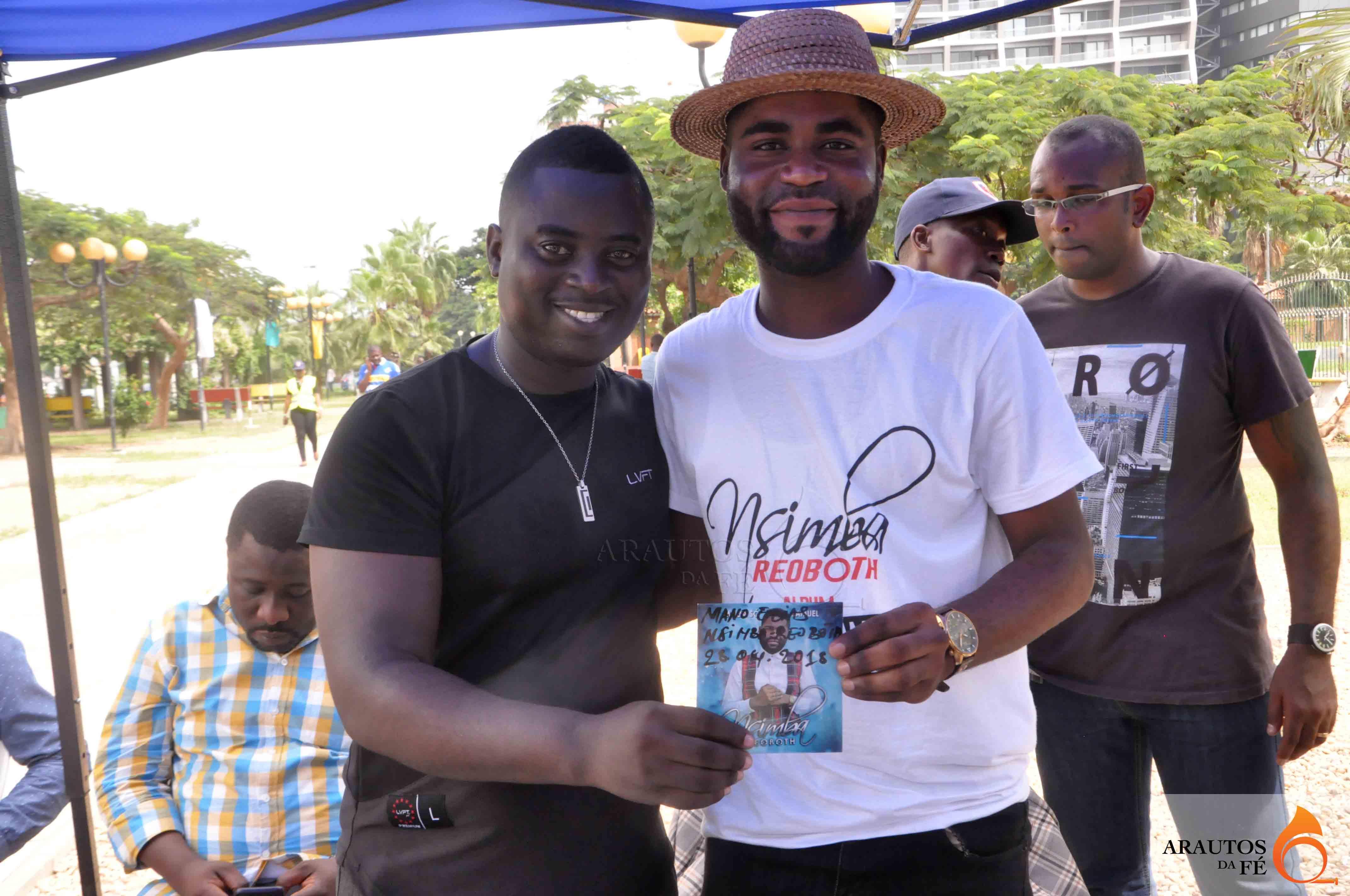 Nelson Elias e Nsimba Reoboth. (Foto: Jaime Chiquito)