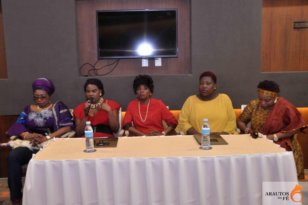 Destacadas personalidades religiosas estiveram na conferência de imprensa. (Foto: Jaime Chiquito)