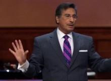 Dr Michael Youssef, ministrando. (Foto- Reprodução : Youtube)