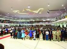 Templo acolhe sete mil pessoas e dispões de vários serviços. (Foto: Edições Novembro)