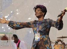 Apóstola Tina, líder do Ministério de Fé e Libertação