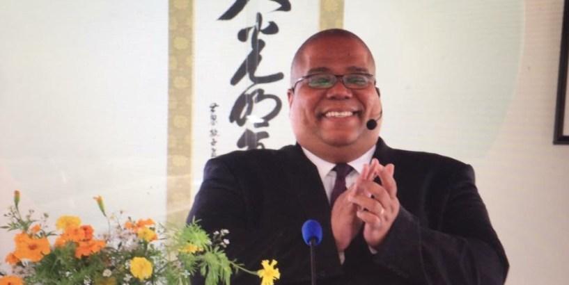 Claudio-Pinheiro, Desvio de 2 biliões de kwanzas afasta líder da Igreja Messiânica