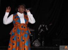 Nádia Mayembe uma notável cantora gospel.