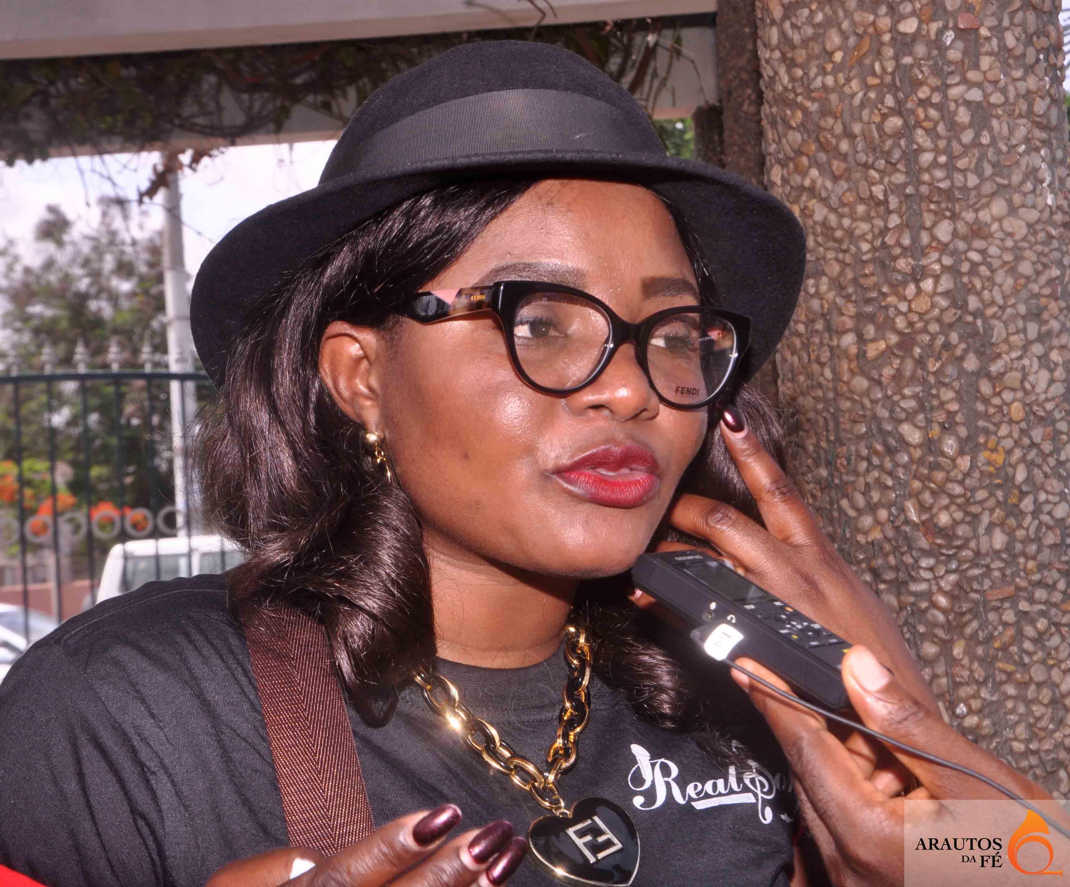 Tê Kuanzambi cantora evangélica. (Foto: Jaime Chiquito) cantora gospel
