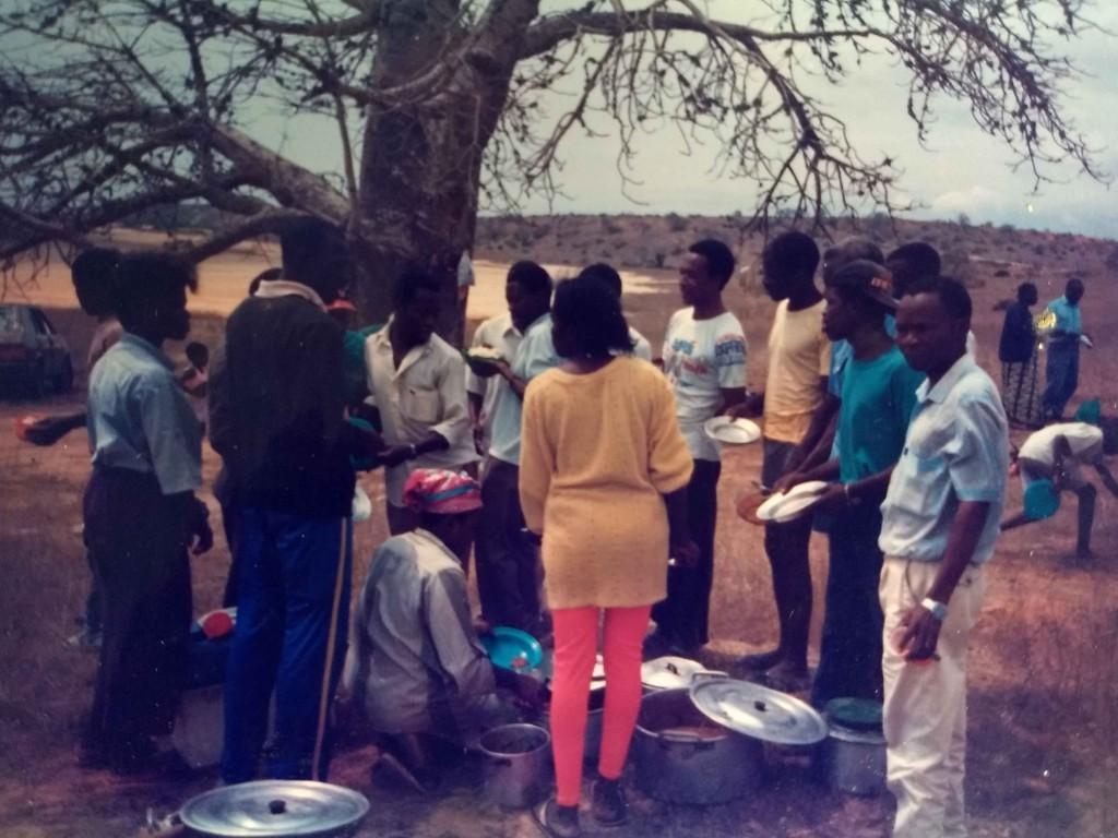 Acampamento do grupo na zona do km 30 em Luanda