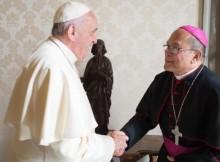 Vaticano-expulsa-definitivamente-arcebispo-por-abusos-sexuais-a-crianças-640x384