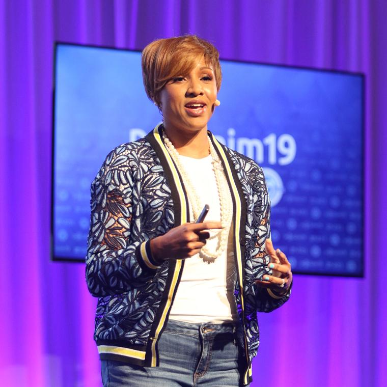 Nona Jones é o Outreach de Parceria com Fidelidade do Facebook. | NRB